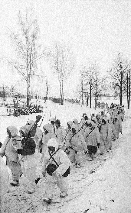 артиллеристы 144-го стрелкового полка 49-й гвардейской стрелковой дивизии